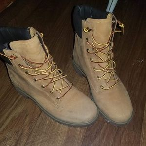 Timberland Shoes - Timberland - Women's 8.5 - only worn twice!